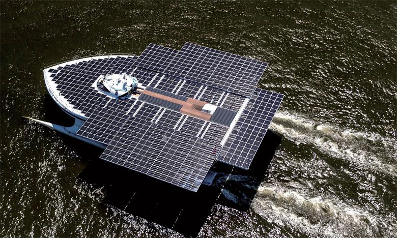 Un catamaran solaire sillonnera  les mers jusqu'en 2021