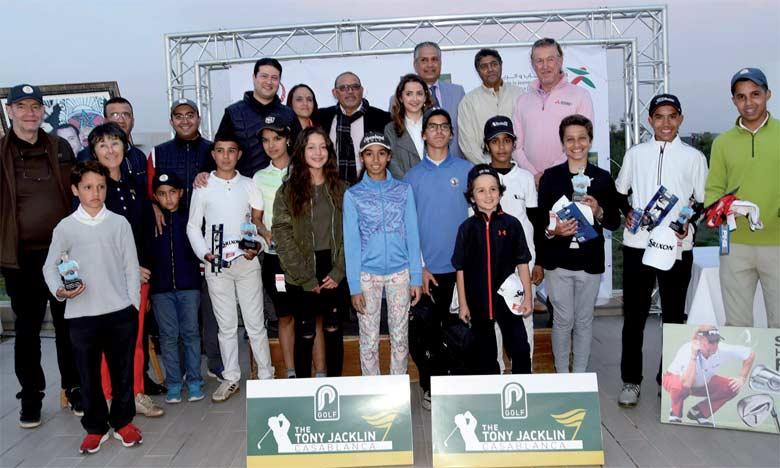 Les lauréats posant fièrement aux côtés de la légende vivante, Miguel Angel Jimenez.                   Ph. FRMG