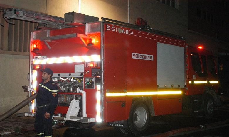 Les services de la protection civile sont intervenus pour circonscrire l'incendie qui a provoqué quelques dégâts matériels sans faire de victime.