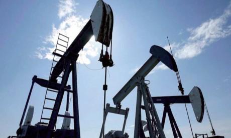 Lors de la semaine achevée le 7 avril, les réserves commerciales de brut ont reculé de 2,2 millions de barils pour revenir à 533,4 millions de barils.