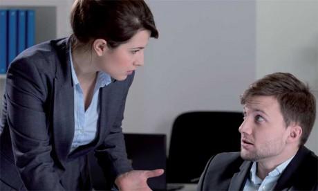 Quand le patron se plaint très souvent de la performance du salarié, cela peut être considéré comme le signe avant-coureur d'un licenciement.