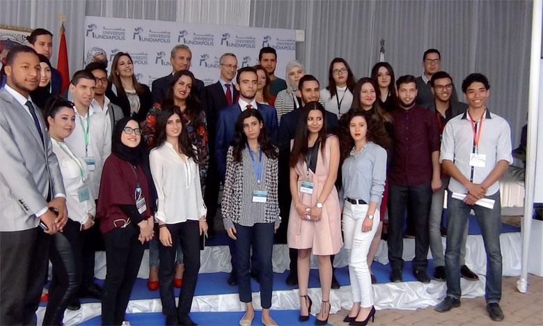 «Mundia Job Fair» a connu la participation de plus de 500 étudiants et d'une trentaine d'entreprises.