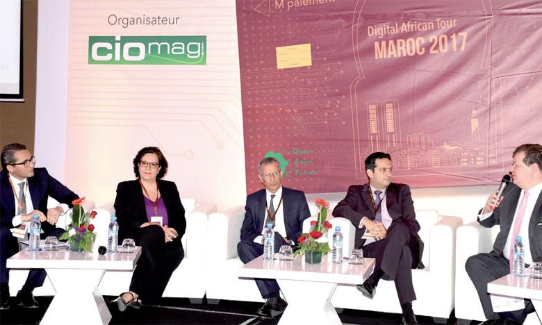 Le modèle d'une plateforme nationale de paiement mobile a fait l'objet d'un débat animé, lors du M-Pay Forum.                                                                           Ph. Seddik