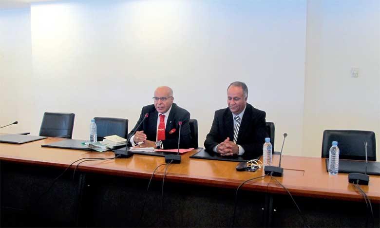 Mohamed Benhammou (à droite) lors de la présentation de son nouvel ouvrage.