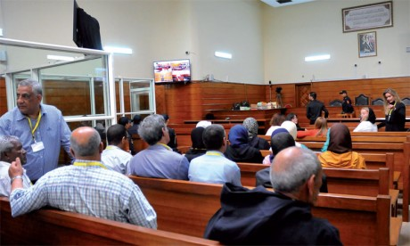 Le retrait des accusés, un complot bien étudié  pour torpiller le procès