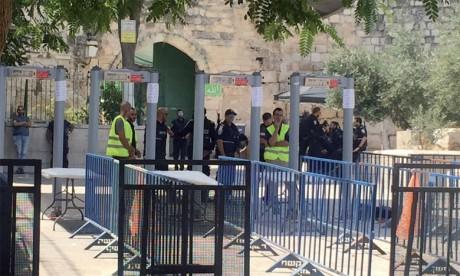 Israël retire les détecteurs de métaux, les musulmans continuent le boycott