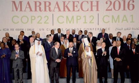 15 novembre 2016: Sa Majesté le Roi Mohammed VI a présidé, à Marrakech, la cérémonie d'ouverture du Sommet des Chefs d'Etat  et de gouvernement de la 22e Conférence des parties à la convention-cadre des Nations unies sur les changements climatiques.