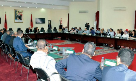 Acteurs économiques et responsables gouvernementaux maintiennent la mobilisation pour concrétiser les projets socioéconomiques projetés à Al Hoceïma