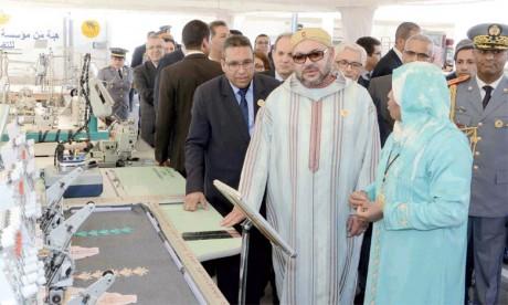 15 mars 2017: S.M. le Roi Mohammed VI a procédé, à Casablanca, à l'inauguration du marché solidaire, un espace de commercialisation équitable dédié à la vente des produits issus des coopératives féminines marocaines. Ph. MAP