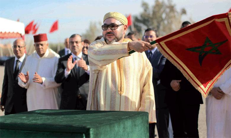 23 décembre 2016: S.M. le Roi Mohammed VI a procédé, à Marrakech, au lancement des travaux d'aménagement du lotissement «El Goumi» pour le recasement de 1.199 ménages bidonvillois.