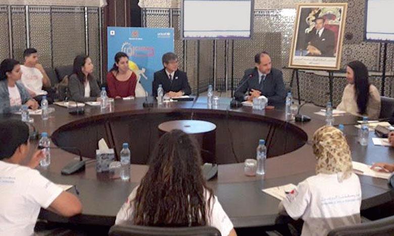 Cérémonie de présentation de la plateforme animée par des enfants de l'association l'Unité Al Fetra, en présence des représentants de l'Unicef et de l'ambassade du Japon.