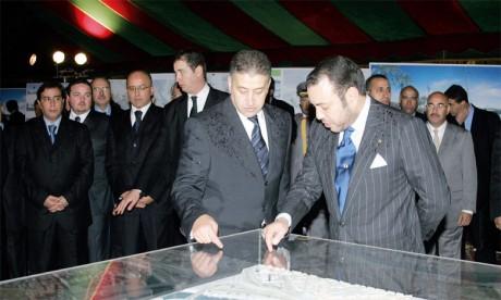 7 janvier 2006: S.M. le Roi Mohammed VI a donné, à Rabat, le coup d'envoi des travaux de réalisation du projet d'aménagement de la vallée do Bouregreg.Ph. MAP