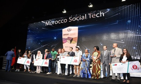 C'est le projet «COOP360», porté par Abdelaziz Ameziane, qui a remporté le premier prix, doté de 15.000 DH. Ph. Seddik