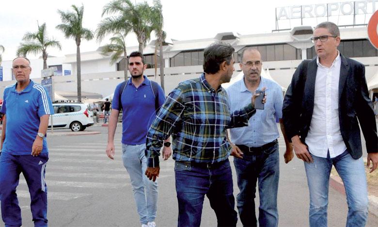 Arrivé à Casablanca dimanche pour superviser une première séance avec les joueurs lundi, Carlos Garrido a été confronté  à la gravité de la situation qui sévit au Raja.