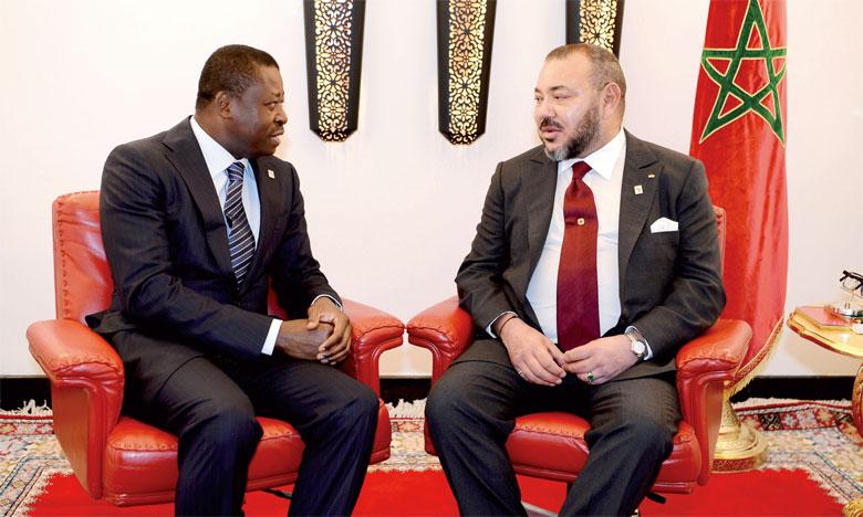 16 novembre 2016: S.M. le Roi Mohammed VI s'est entretenu en tête-à-tête, à Marrakech, avec le Président togolais, Faure Ganssingbé, président en exercice de la Cédéao.Ph. MAP
