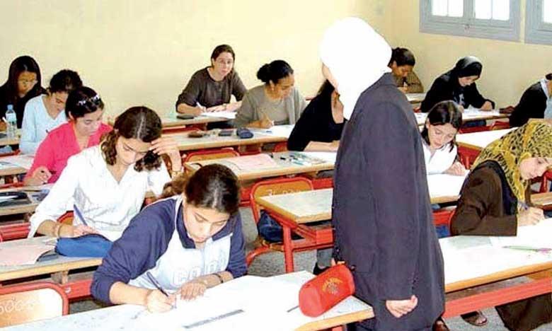 L'AREF recrute 1.856 enseignants par contrat