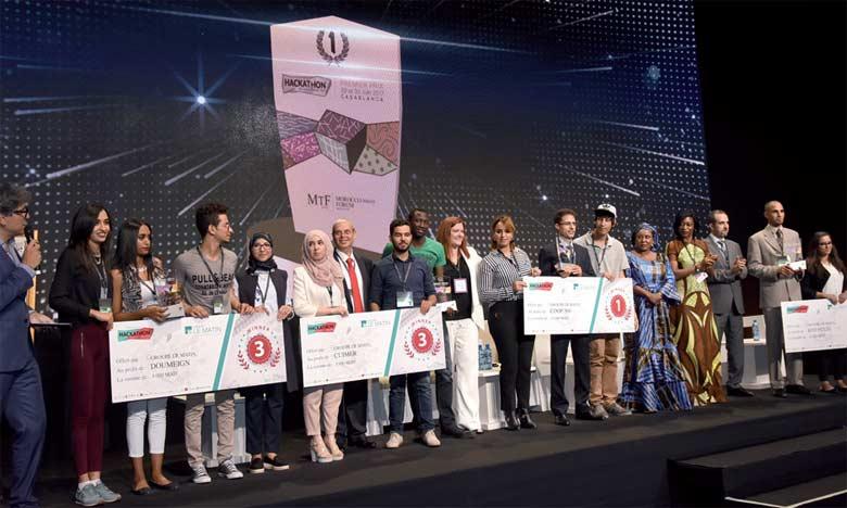 Les trois équipes gagnantes au Morocco Social Tech (Hackathon) recevant leurs chèques, en marge  de la 2e édition du MTF.    Ph.: Saouri