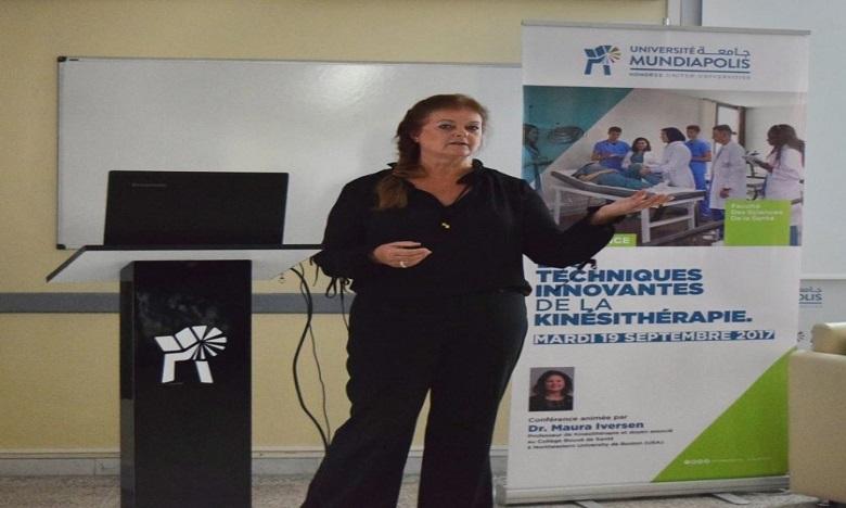Maura  Iversen,  doyenne associée  au  Bouvé  College  of  Health  Science présente  les  tendances internationales  en  formation  en  kinésithérapie  et  les  opportunités  d'établir  des synergies en didactique et en apprentissage expérientiel.