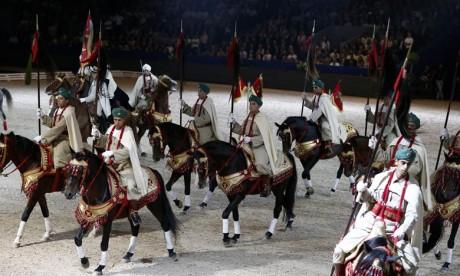 La troupe des cavaliers de la DGSN fascine le public