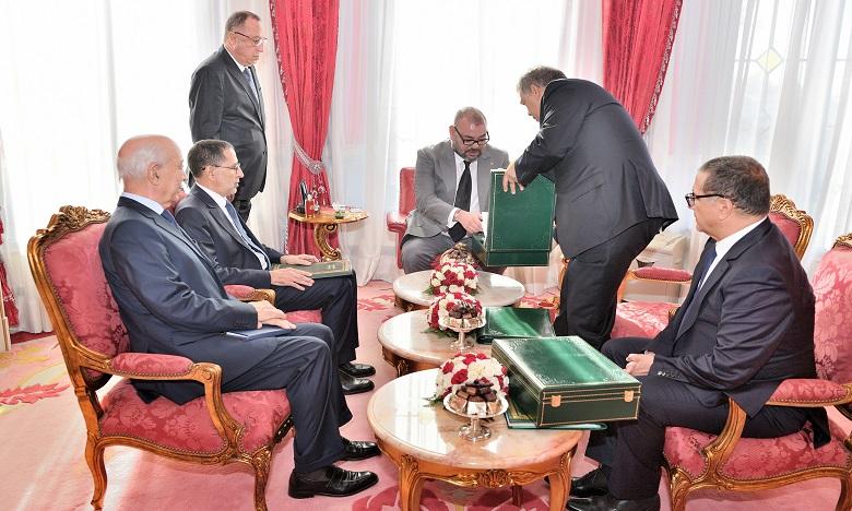 Sa Majesté le Roi donne Ses Hautes Instructions à la Cour des comptes pour examiner les rapports commandités par le Souverain