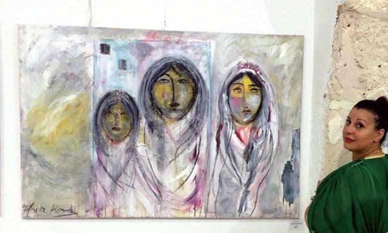 La peinture de Maria Kermadi est une construction patiente et passionnante faite d'enroulements tel un ressac se brisant constamment sur les parois de son âme sensible.