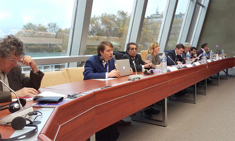 le directeur général de la Haca a souligné que ce combat contre le populisme dans les médias et dans les réseaux sociaux exige une approche de coopération ou «collaborative», d'alliance similaires aux «unions nationales» en politique, entre les média