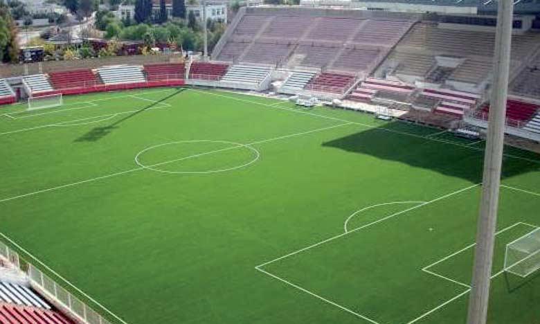 Le conseil de la ville de Laâyoune a prévu deux stades, d'une capacité d'accueil de 5.000 placespour accueillir les rencontres des équipes amateurs, en plus  des stades Moulay Rachid et Cheikh Mohamed Laghdaf.