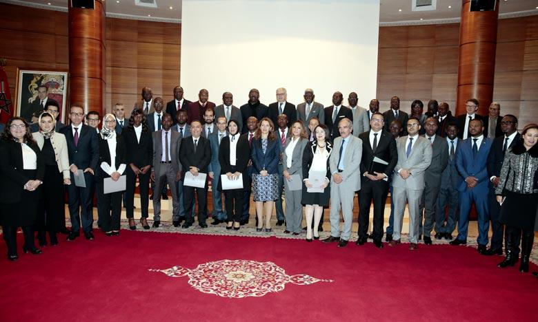 Remise de certificats aux lauréats de l'Académie marocaine des études diplomatiques