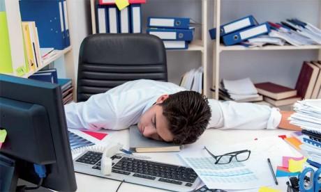 Le stress est la conséquence, entre autres, d'une charge de travail très importante concentrée sur une période de trois mois (janvier-mars).