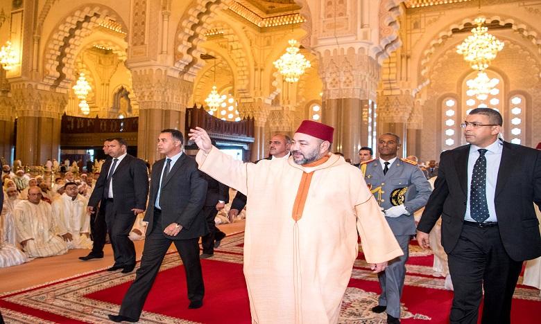 S.M. le Roi, Amir Al Mouminine, accomplit la prière du vendredi à la mosquée Hassan II
