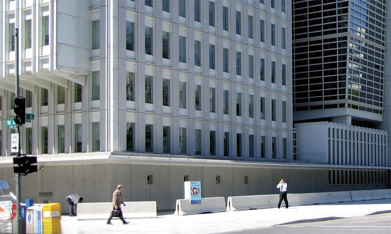 Les rapports de la Banque mondiale sur les nouvelles mesures de la richesse des nations insistent sur l'importance du capital immatériel dans la création de richesses et plus particulièrement le capital institutionnel.