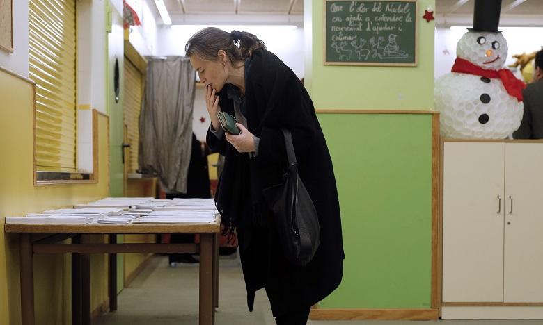 Les indépendantistes obtiendraient la majorité absolue des sièges au parlement, selon des résultats partiels