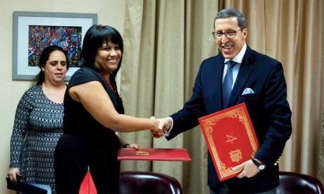 Les relations entre Rabat et La Havane ont repris en avril 2017 après la signature d'un accord sur le rétablissement des relations diplomatiques entre  le Royaume du Maroc et la République de Cuba au niveau des ambassadeurs.