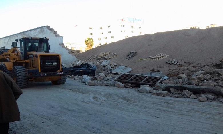 Les autorités compétentes ont ordonné la démolition des parties qui restent du mur pour éviter davantage de dégâts. Ph. DR