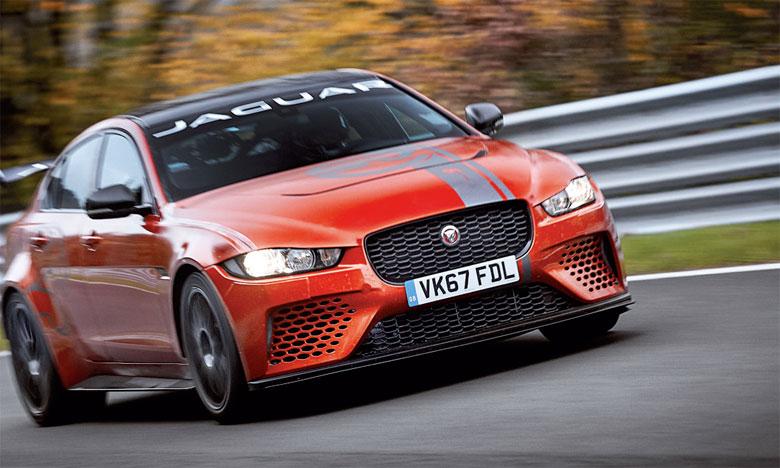La Jaguar XE SV Project 8 devient la berline 4 portes la plus rapide du monde