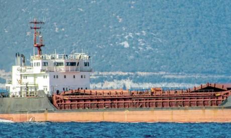 La Chine met à l'eau le premier cargo électrique au monde