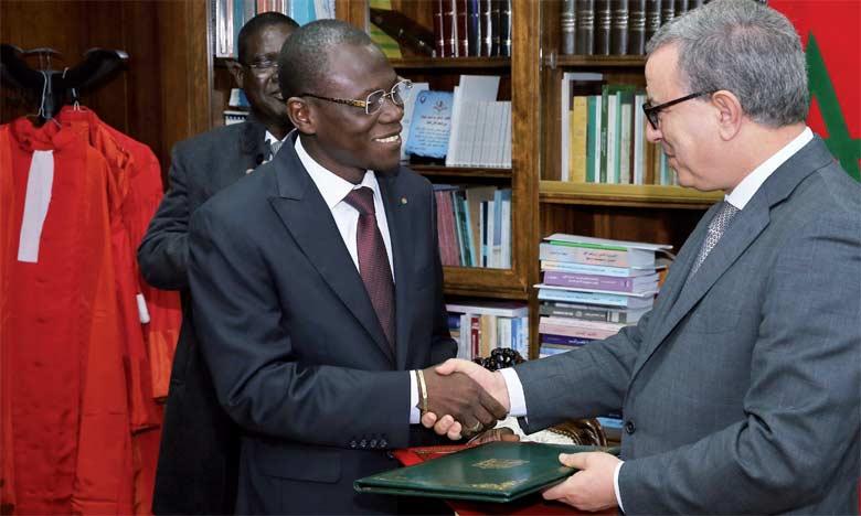 Signature d'une convention de partenariat portant sur le renforcement des compétences en matière de gestion du système judiciaire