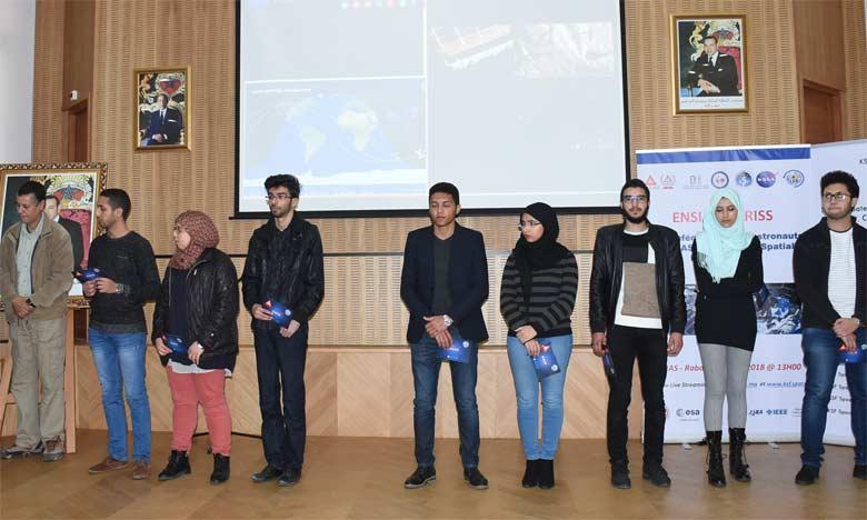 Les étudiants de l'ENSIAS communiquent avec  les astronautes de la Station spatiale internationale