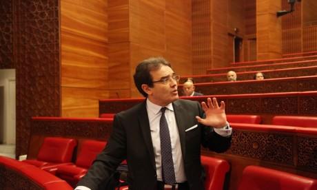 Abdelkrim Benatiq expose le rôle des MRE dans le développement national