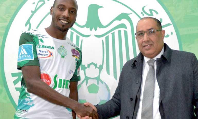 Le Raja officialise le recrutement de Abdelaâdilm Khadrouf, 7e transfert libre depuis l'arrivée de Saïd Hasbane