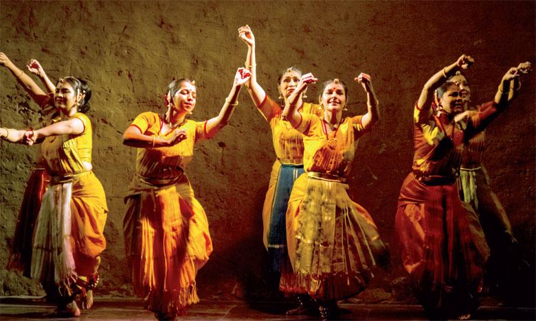 Musique et danse pour fêter le 1er Forum  du tourisme maroco-indien