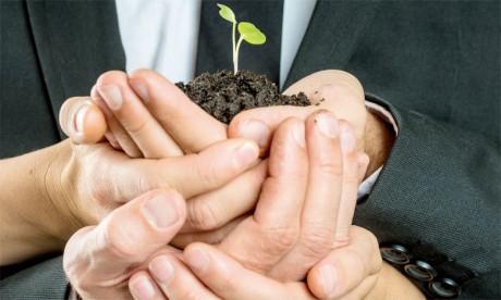 Actuellement, les managers soutiennent la notion de création de valeur intégrée qui consiste dans le fait de choisir des domaines d'activités, des actions  et des produits et services ayant le double objectif d'assurer la rentabilité de l'entreprise et les intérêts des parties prenantes.