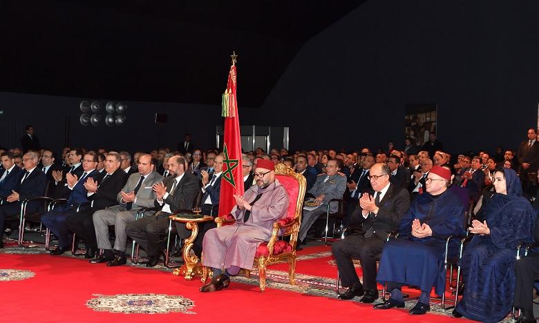 S.M. le Roi préside à Agadir la cérémonie de présentation de la déclinaison régionale du Plan d'accélération industrielle 2014-2020 dans la région de Souss-Massa et de signature de huit conventions et d'un protocole y afférents