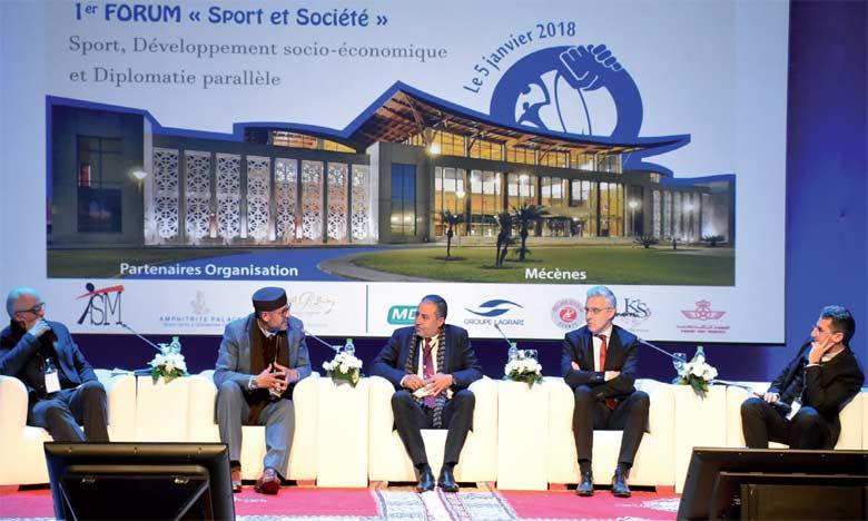 Plusieurs personnalités du monde du sport, économique et politique ont participé  à ce forum.   Ph. Saouri
