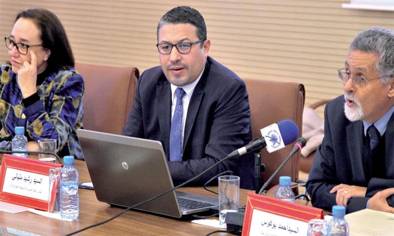 Ahmed Boukouss met en avant le rôle important  de l'enseignement dans la promotion de la langue et de la culture amazighes