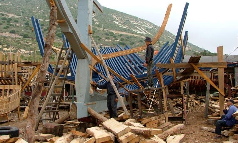 Démantèlement de deux chantiers clandestins de fabrication de barques artisanales