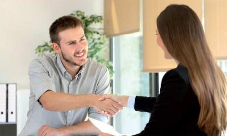Le meilleur moyen pour vérifier la motivation du candidat reste un entretien intelligent effectué par une ou plusieurs personnes expérimentées venant de l'entreprise.