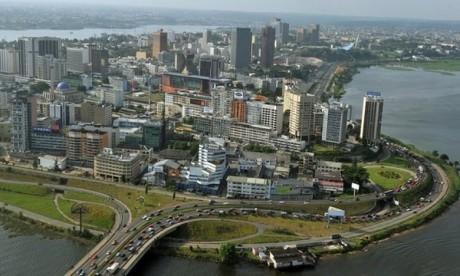 L'Ambassade du Maroc à Abidjan dément les allégations sur une prétendue intention des autorités ivoiriennes d'expulser les ressortissants marocains