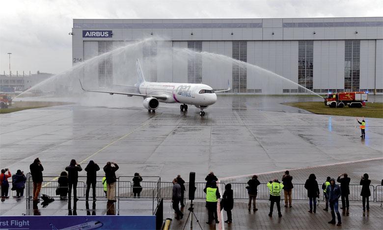 Un premier vol réussi  pour le «A321LR» d'Airbus