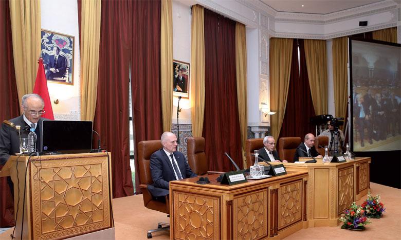 le secrétaire perpétuel de l'Académie a mis en exergue le discours adressé par S.M. le Roi Mohammed VI, le 30 juillet 2009. Ph. MAP